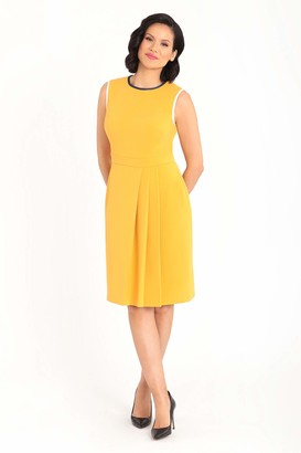 Maggy London Women's Solid Crepe Sleeveless Sheath with Front Pleat Detail