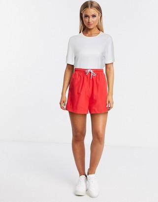 Hummel Hive oversized shorts