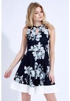 Select Fashion Fashion Mono Floral Panel Skater Dress Dresses - size 6