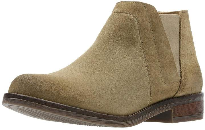 Clarks Demi Beat Flat Ankle Boot - Sand
