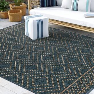 "Beachcrest Home Cian Border Geometric Cobalt Indoor/Outdoor Area Rug Rug Size: Rectangle 7'10"" x 9'10"""