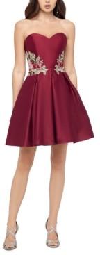 Blondie Nites Juniors' Sweetheart Applique Dress