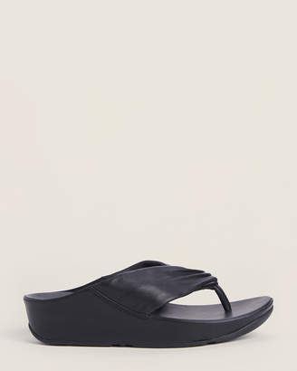 FitFlop Black Twiss Leather Flip Flops