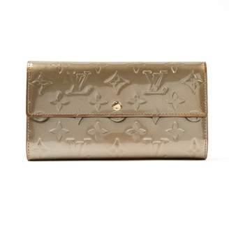 Louis Vuitton Grey Patent leather Wallets