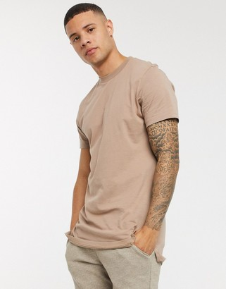 ASOS DESIGN longline t-shirt with crew neck and side splits in beige