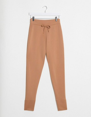 I SAW IT FIRST cropped ponte joggers in camel