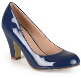 Journee Collection Women's Round Toe Classic Patent Chunky Heel Pumps