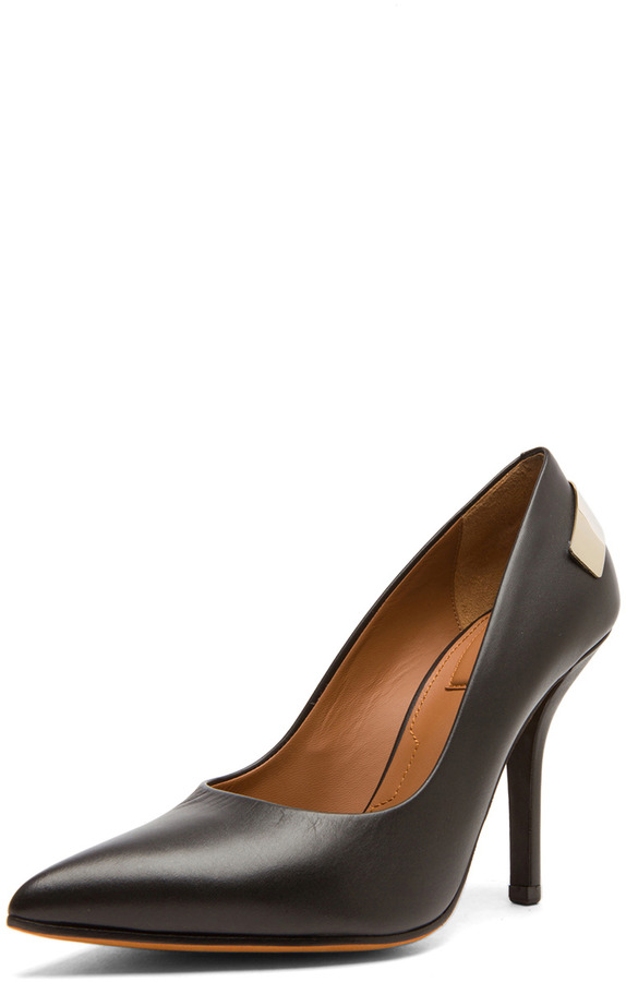Givenchy Calfskin Leather Pumps in Black