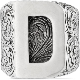 """Gucci D"""" letter ring in silver"""
