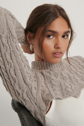 NA-KD Organic Super Short Cable Knit Sweater