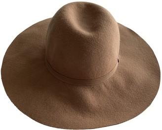 Non Signã© / Unsigned Beige Wool Hats