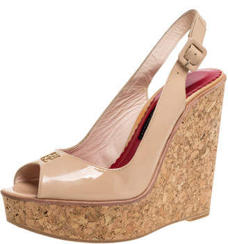 Carolina Herrera Beige Patent Leather Cork Wedge Platform Peep Toe Slingback Sandals Size 38