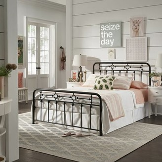 Laurel Foundry Modern Farmhouse Larry Platform Bed Size: Queen