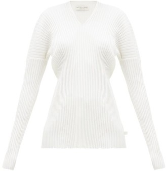 Bottega Veneta V-neck Merino-wool Sweater - Womens - Ivory