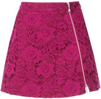 Loveless lace mini skirt
