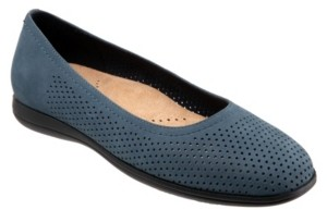 Trotters Darcey Flat Women's Shoes
