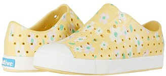 Native Jefferson Print (Little Kid) (Gone Bananas Yellow/Shell White/Daisy) Girls Shoes
