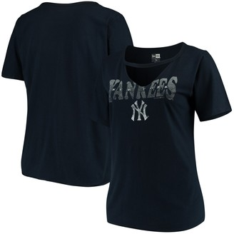 New Era Women's Navy New York Yankees Plus Size Raw Edge Choker T-Shirt