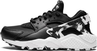 Nike Womens Air Huarache Run SE Shoes - Size 7W
