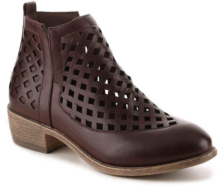 Journee Collection Kat Bootie - Women's