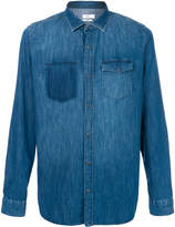 Closed buttoned denim shirt