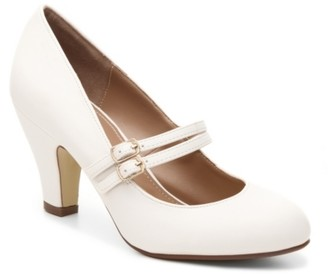Journee Collection Windy Pump