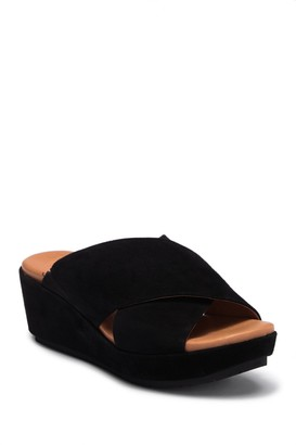 Kenneth Cole Gentle Souls By Mikenzie Sandal
