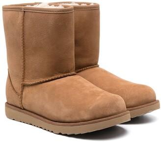Ugg Kids TEEN short 11 waterproof boots