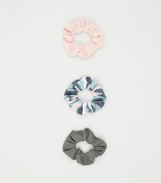New Look Girls 3 Pack Camo Scrunchies