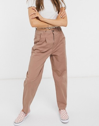 Vero Moda chino pants in brown