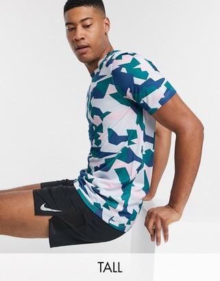 Nike Training Tall t-shirt in geometric camo print-Grey