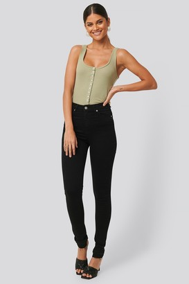 NA-KD Skinny High Waist Open Hem Jeans Tall