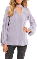 Jessica Simpson Tanie Choker Neck Long Sleeve Peasant Top