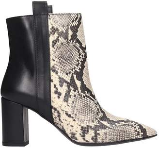 Janet & Janet High Heels Ankle Boots In Black Leather