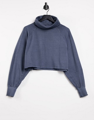 Noisy May cropped sweater with high neck in grey