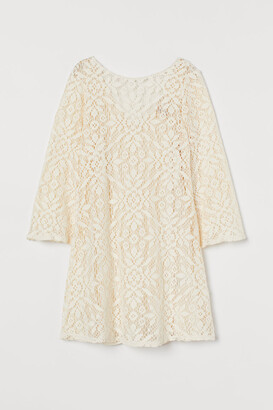 H&M Trumpet-sleeved lace dress