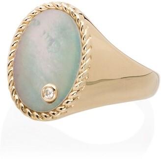 Yvonne Léon 18K yellow gold signet ring