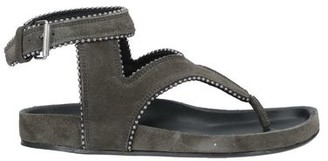 CATARINA MARTINS Toe strap sandal