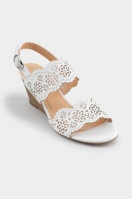 francesca's Savona Scalloped Wedge Sandal - White
