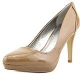 Tahari Party Women Round Toe Patent Leather Tan Heels.