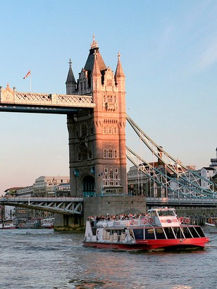 Virgin Experience Days Sights of London One Night Break with London Eye and Thames Sightseeing Cruise for Two