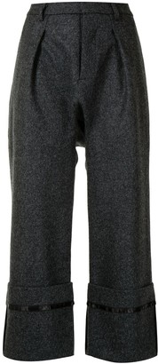 R 13 Turn-Up Hem Cropped Trousers