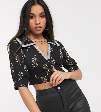 Fashion Union Petite crop top with lace collar in floral