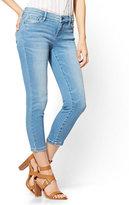 New York & Co. Soho Jeans - Capri Legging - Heartbreaker Blue Wash