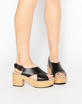Park Lane Cross Strap Platform Sandals