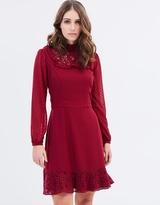 Review Leia Lace Dress