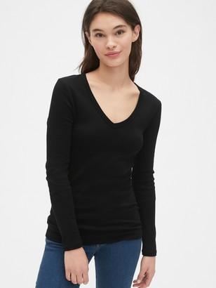 Gap Modern Long Sleeve V-Neck T-Shirt