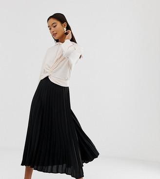New Look pleated midi skirt in black