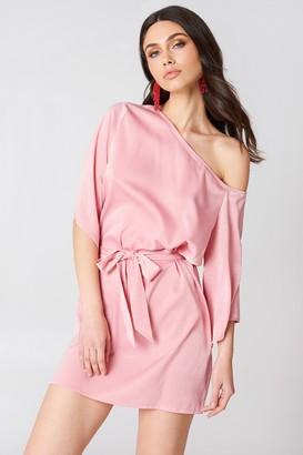 Hannalicious X NA-KD One Shoulder Tie Waist Dress