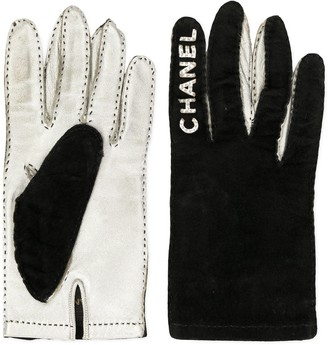 Chanel Pre Owned 1994-1995 Logos Gloves